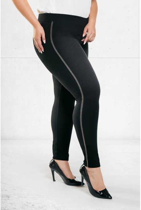Czarne legginsy z kolekcji plus size