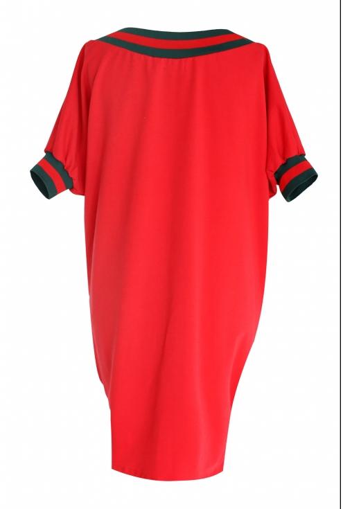 tył czerwonej sukienki xxl