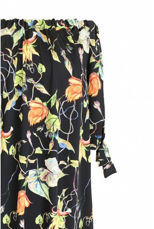 detal sukienki hiszpanki roślinnej