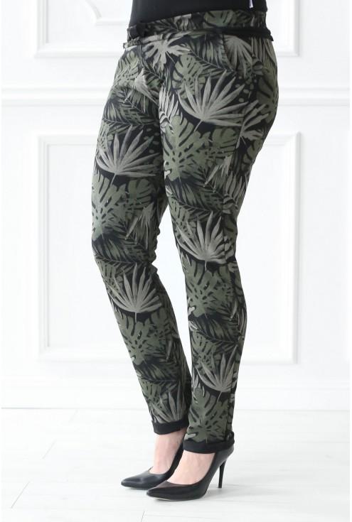 ciemne spodnie dresowe plus size w liście
