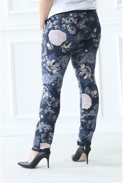 Granatowe spodnie w kwiaty CAMILLA