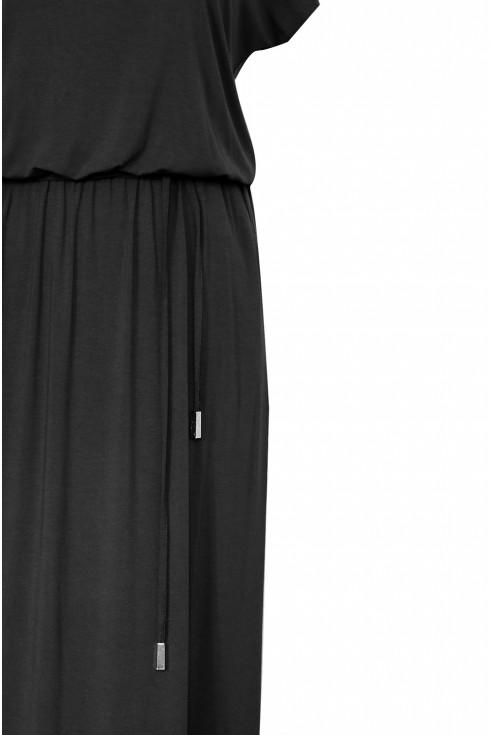 bok czarnej sukienki xxl detal