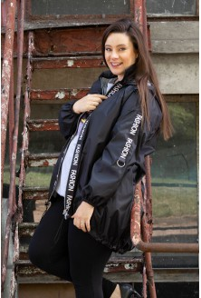 Czarna kurtka z napisami - AMBER