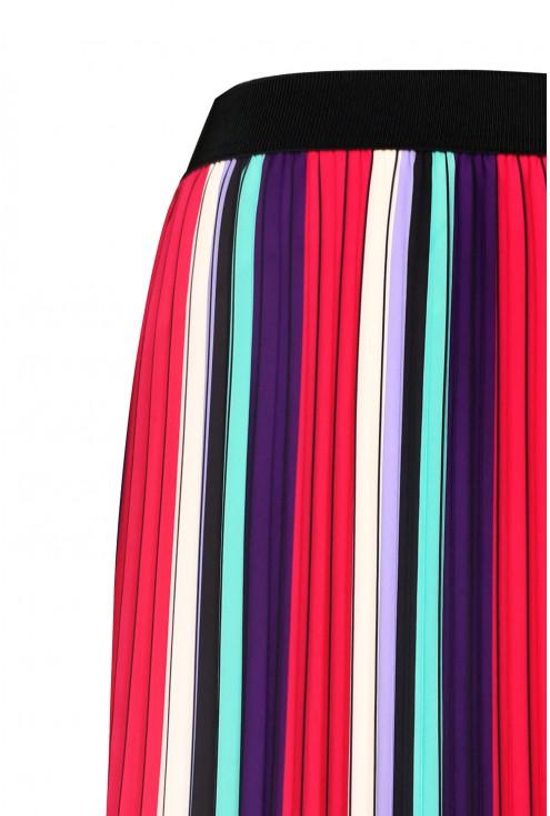 Kolorowa spódnica w dużych rozmiarach.