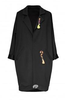 Czarny płaszczyk z naszywkami - przód