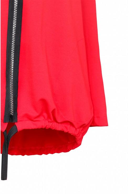 Czerwona bluza z przywieszką - DANIELLE - detal