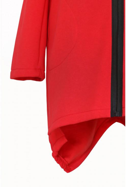 Czerwona dresowa bluza z napisem LOVE - detal
