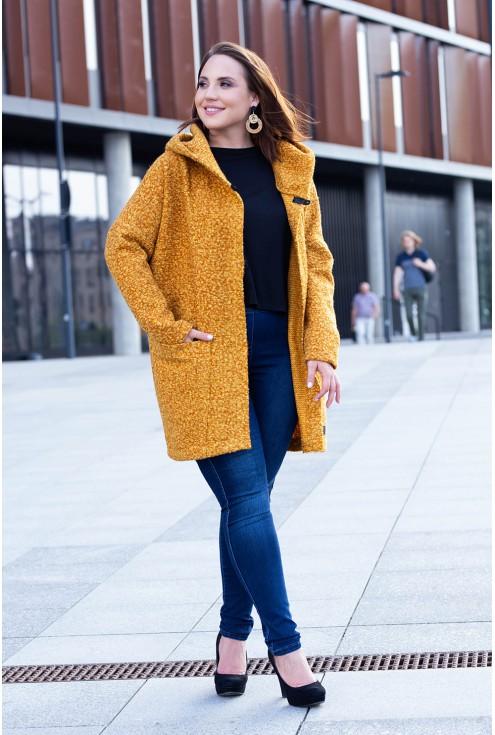 Musztardowy płaszcz oversize z kapturem plus size