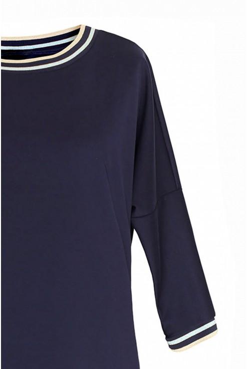 Granatowa sukienka ze ściągaczem plus size