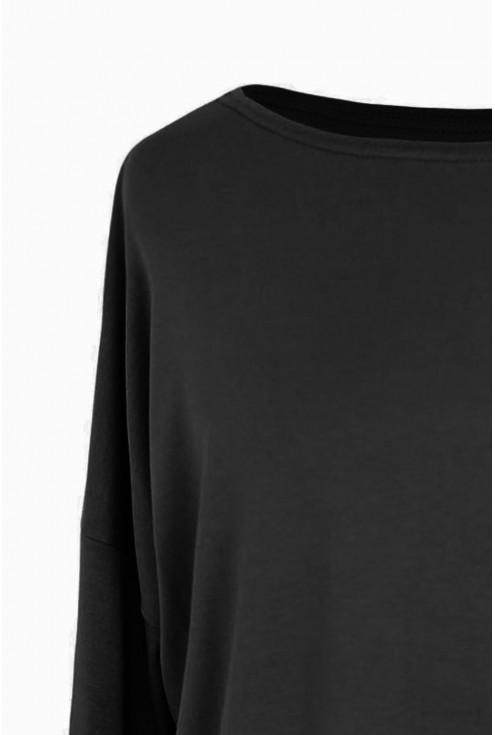Czarna bluzka do spodni z wysokim stanem plus size