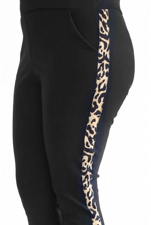 Czarne spodnie z panterkowym lampasem plus size
