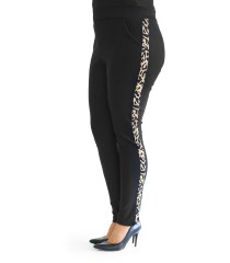 Czarne spodnie dresowe z lampasem w panterkę - CORNELIA