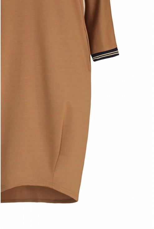 Camelowa sukienka duże rozmiary
