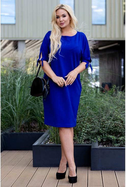 Sukienka w kolorze chabrowym plus size