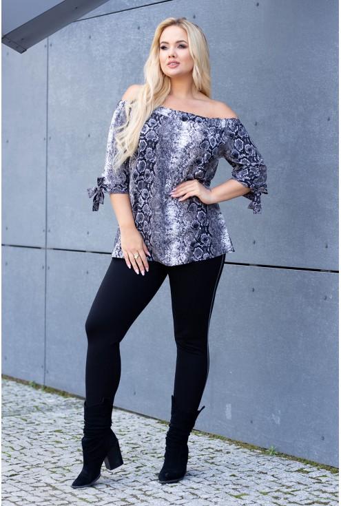 Bluzka hiszpanka w dużych rozmiarach w modny wzór