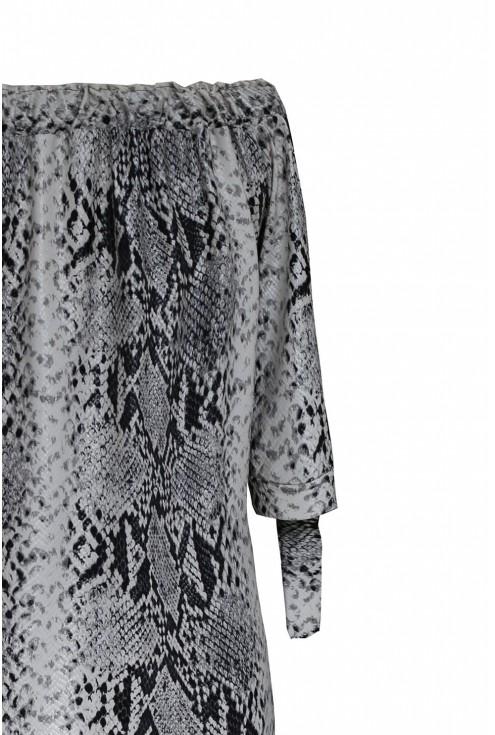 Biało-czarna sukienka z wzorem w skórę węża