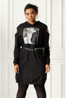 Czarna sukienka z grafiką xxl