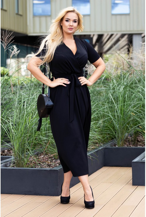 czarna sukienka z dekoltem v