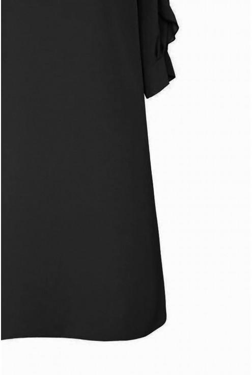 bok sukienki z szyfonowymi rękawami