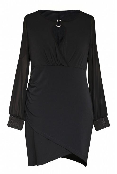 Czarna sukienka z głębokim dekoltem xxl