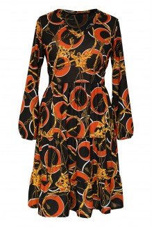 czarna sukienka z wzorem w kółka