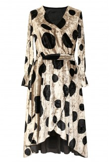 Kremowa sukienka w czarne kropki