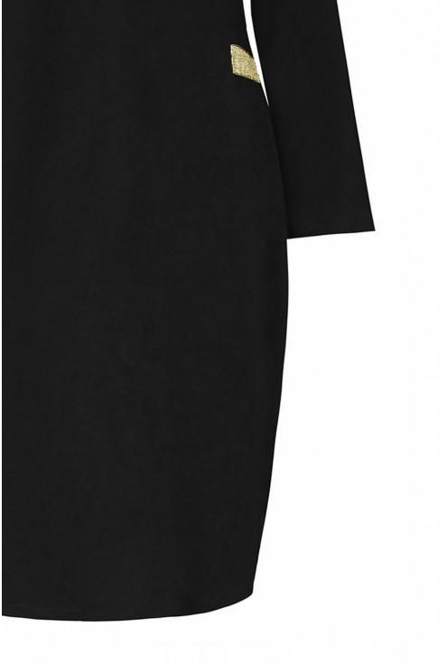 detal czarnej sukienki dresowej