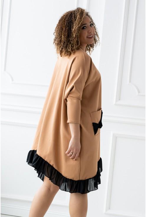 bok karmelowej sukienki xxl