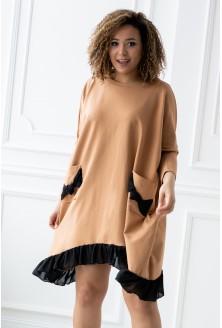 karmelowa sukienka z falbanką xlka