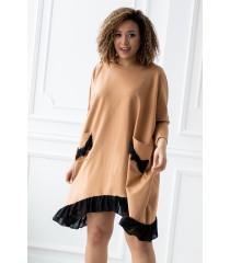 Karmelowa sukienka dresowa z falbaną na dole - ESTA
