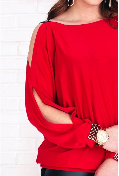 bok czerwonej bluzki ashley