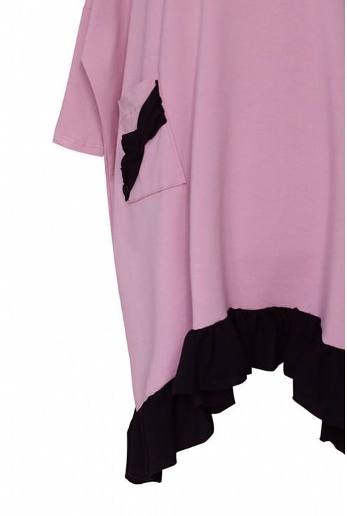 bok różowej sukienki esta