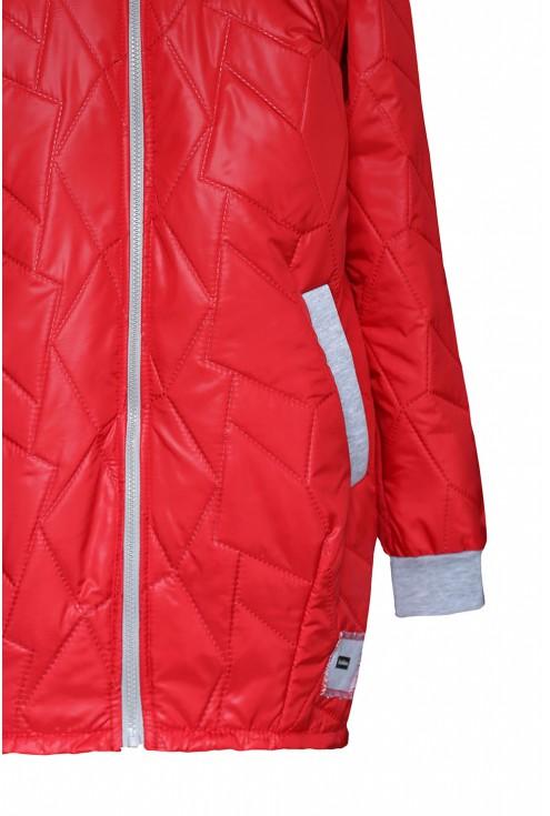 Czerwona kurtka plus size z kapturem