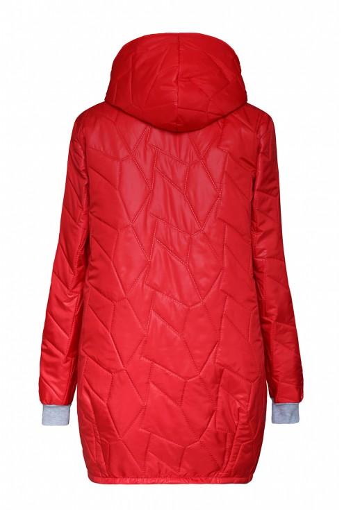 Tył czerwonej kurtki z pikowaniem w dużych rozmiarach plus size