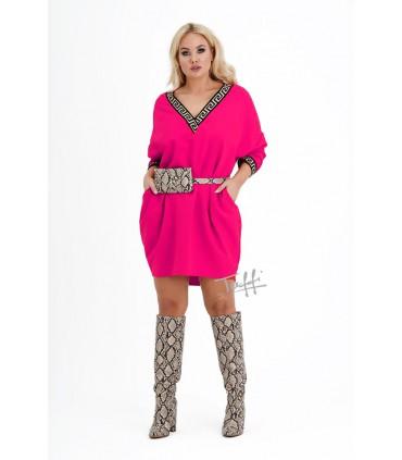 Fuksja sukienka oversize z ozdobnymi ściągaczami - VERSI