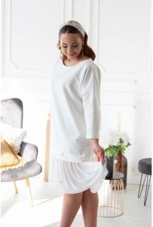 kremowa sukienka z tiulowym dołem