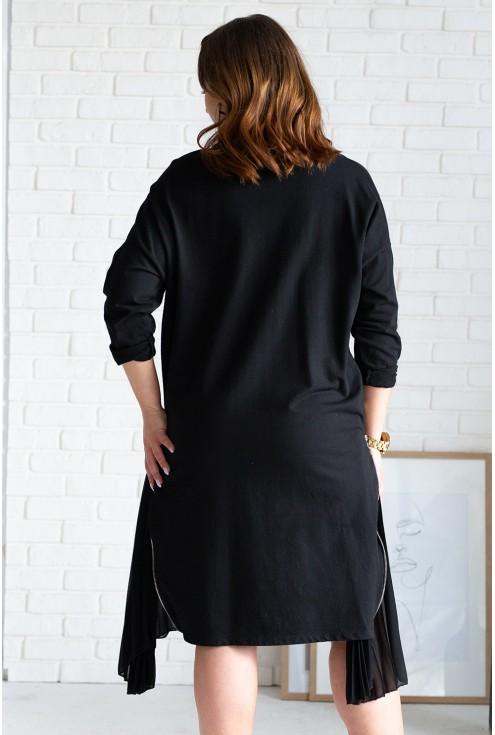tył czarnej sukienki xxl