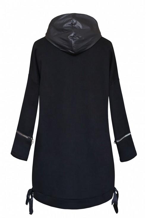 tył czarnej bluzy z suwakami