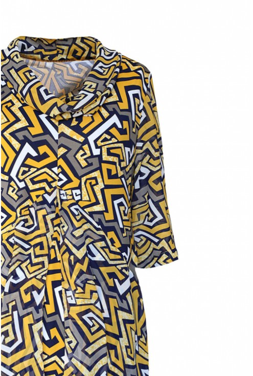 Sukienka w geometryczne wzory xxl