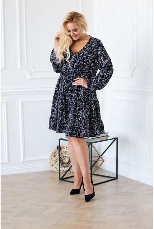 Kobieca sukienka czarna z białym wzorem plus size