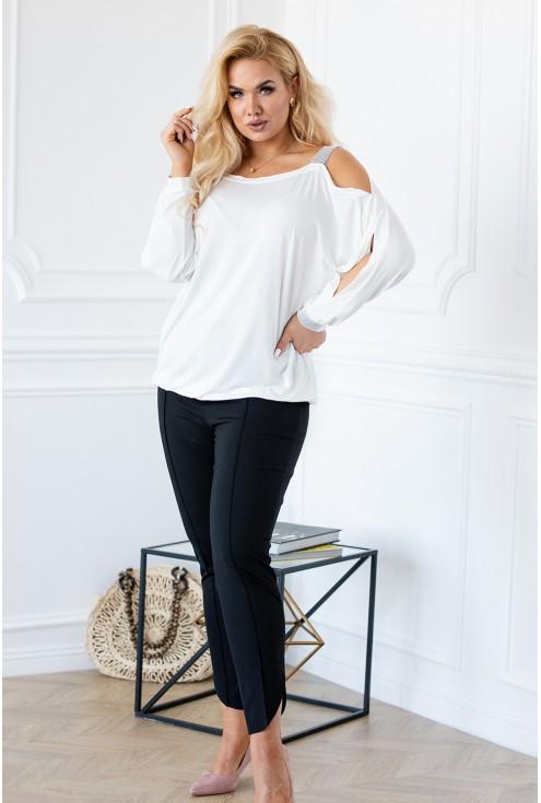 Biała elegancka bluzka ze zdobieniami