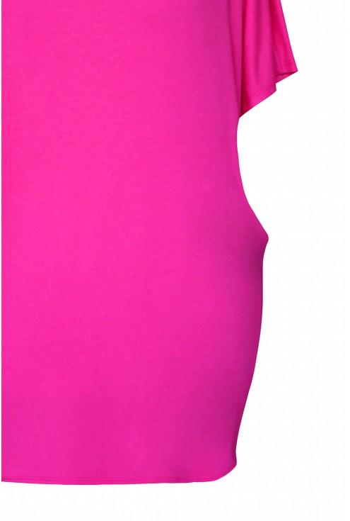 bok różowej bluzki plus size