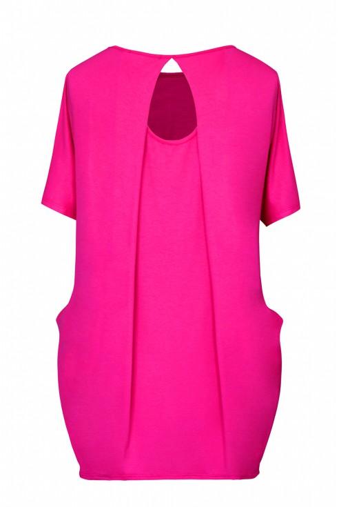tył różowej bluzki plus size