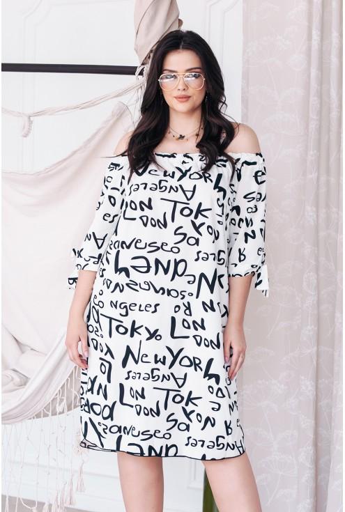 biała sukienka z napisami xxl