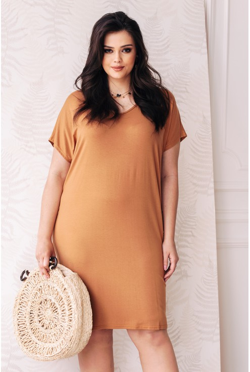 prosta wygodna dzianinowa sukienka w kolorze camelowym xlka