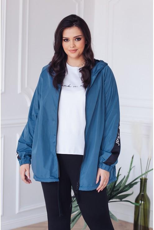wiosenna kurtka w kolorze jeansowym  dostępna w dużych rozmiarach xlka