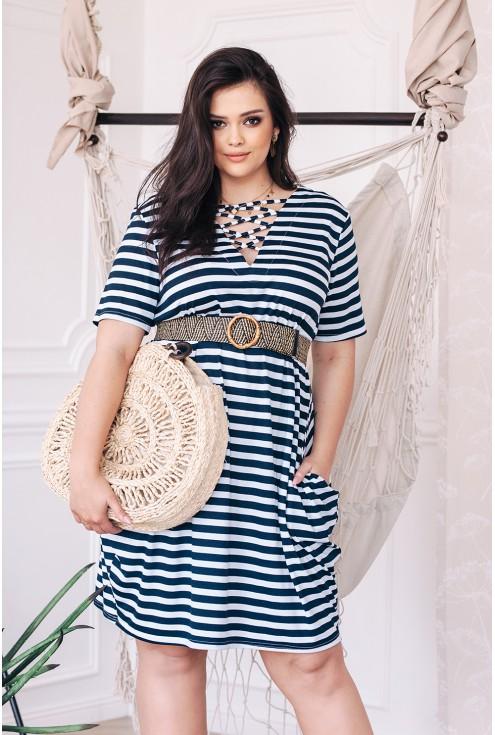wakacyjna sukienka w paski xxl