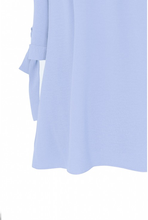 Błękitna bluzka hiszpanka z wiązanym rękawem NINA - detal