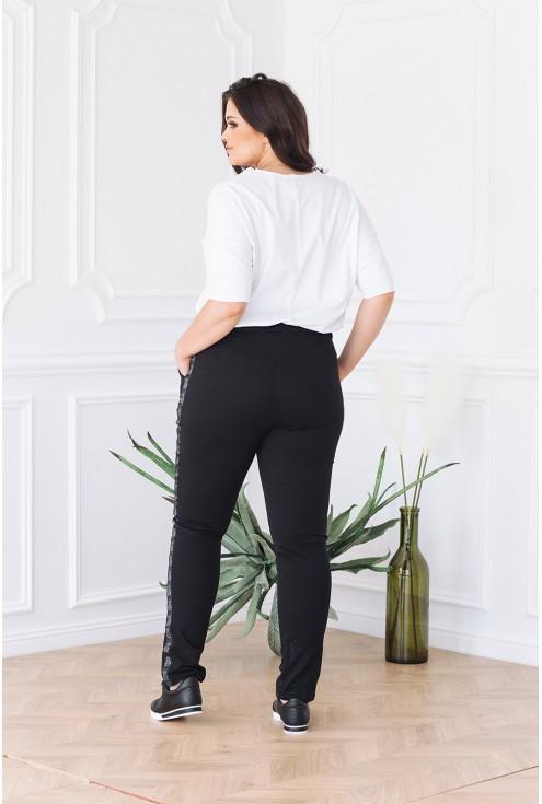 tył czarnych dresowych spodni xlka