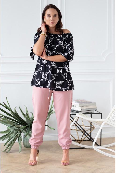stylizacja nina z napisami fashion i eleganckie spodnie ze ściągaczami viviane